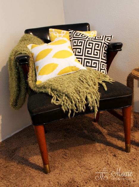 Moxie_pillows_chair_2
