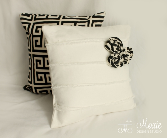 black_white_flower pillows